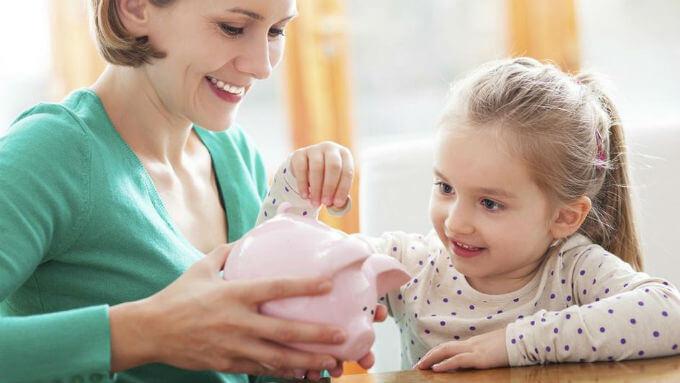 Kako naučiti djecu štednji i raspolaganju novcem?