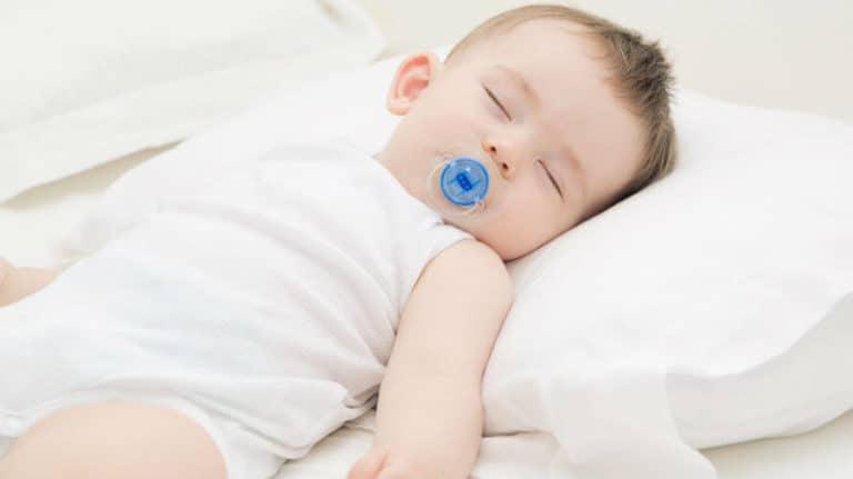 Jastuk za bebe – treba li ga koristiti, kada i po kojoj cijeni ga kupiti?