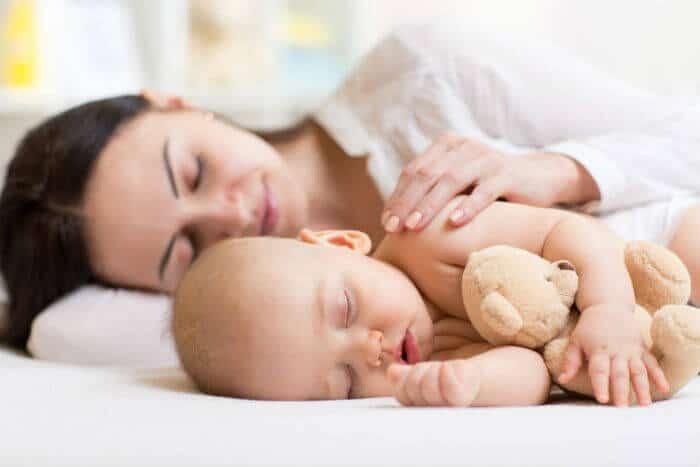 Kako pomoći bebi kod grčeva?