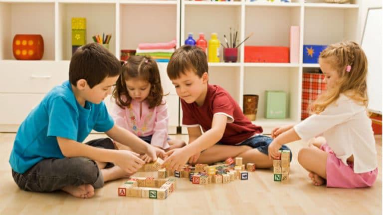 Montessori pedagogija – što je to i po čemu se razlikuje od klasičnog obrazovanja?