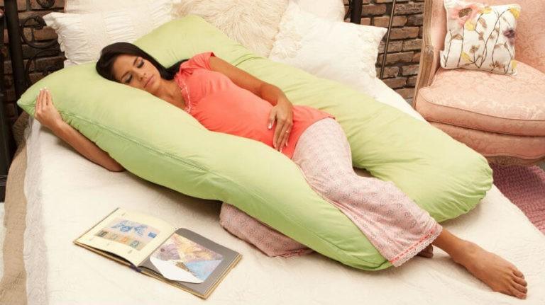 Jastuk za trudnice – vrste, kako ga koristiti za spavanje te koja mu je cijena?