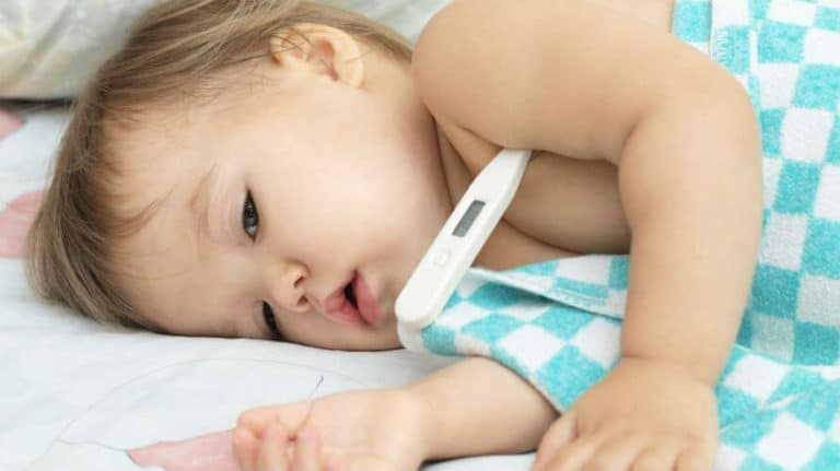 Temperatura kod beba i djece – niska, normalna i visoka temperatura