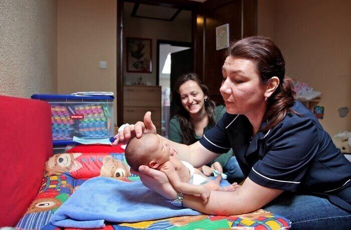 Patronažna sesstra - što radi i kako može pomoći rodilji, trudnici i bebi?
