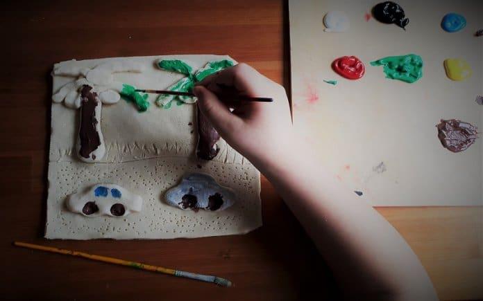 Kreativni kutak: Slikanje na slanom tijestu