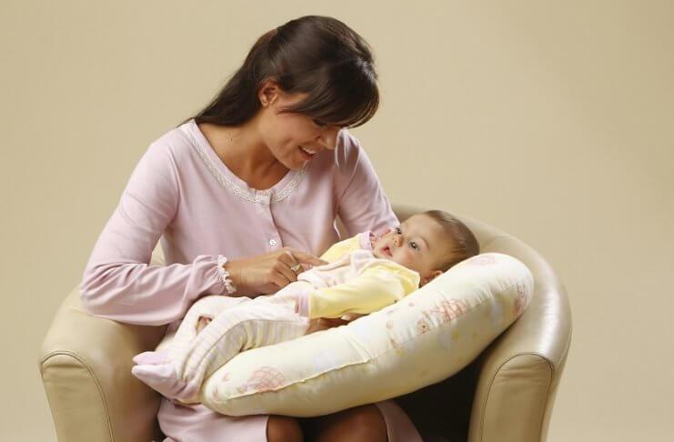 Jastuk za dojenje - čemu služi, kako odabrati najbolji i gdje kupiti