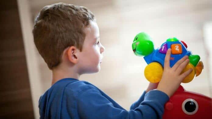 Što je autizam i koji su simptomi autizma?