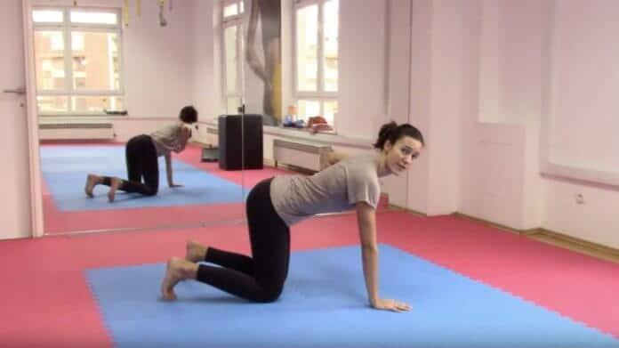 Vježba za aktivaciju dubokog mišića trupa koja olakšava porod