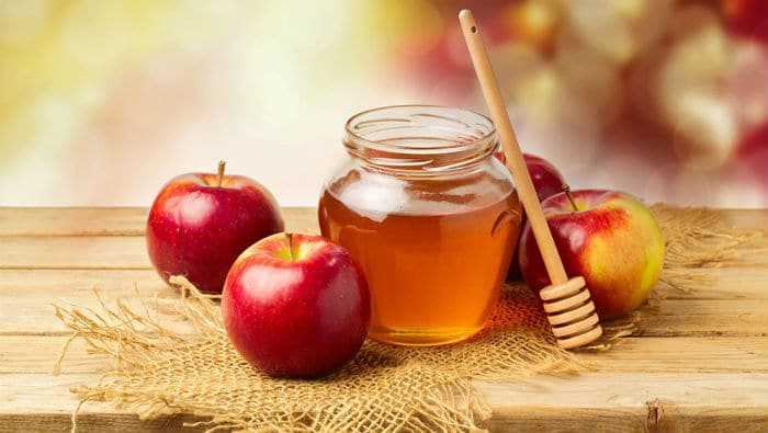 Med od maslačka - recept s jabukom