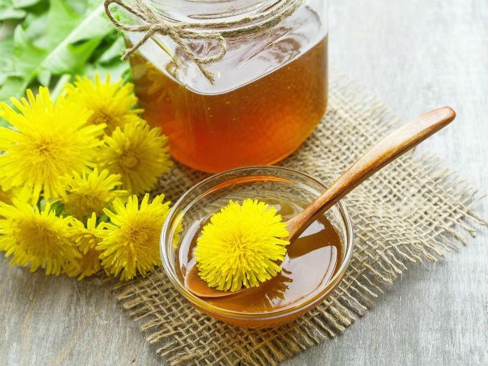 """Med"" od maslačka 400 cvjetova - recept s limunom, narančom i smeđim šećerom"