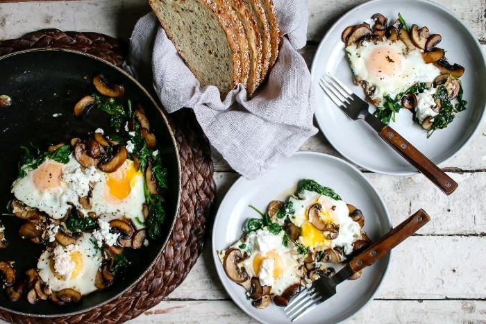 Namirnice bogate željezom - Omlet sa špinatom, gljivama i kozjim sirom